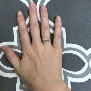 Pandora Crossing Paths Ring Size 6